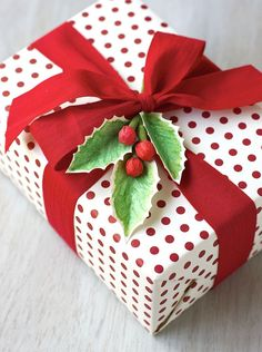 day 7 gift wrapping 12 days of christmas for your home
